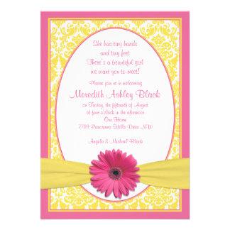 El sorbo amarillo rosado N de la margarita del Ger