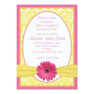 El sorbo amarillo rosado N de la margarita del Invitaciones Personales
