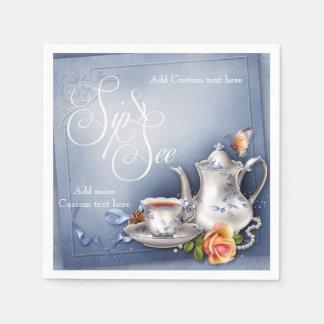 El sorbo azul nostálgico del tiempo del té y ve al servilleta desechable