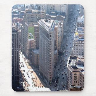 ¡El sorprender! Flatiron que construye New York Ci Tapetes De Ratón