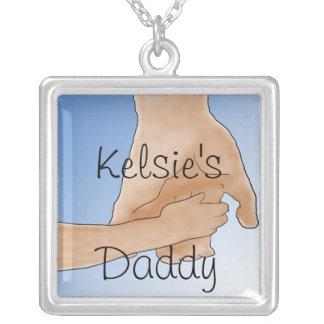 """El sostenerse personalizado da el collar del """"papá"""