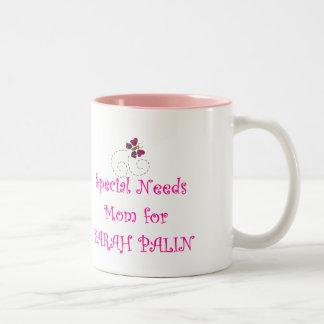 El Special necesita a la mamá para Sarah Palin Taza Dos Tonos