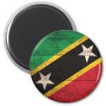 El St. de madera viejo San Cristobal/Nevis señala  Iman De Frigorífico