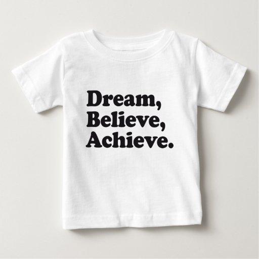 El sueño cree alcanza camisas