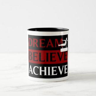 El sueño cree alcanza la taza de la gimnasia