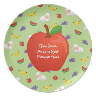 El sueño de Momo de la placa de las frutas Plato