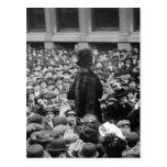 El Suffragette golpea la calle: los años 10 tempra Postal