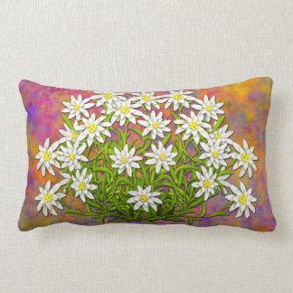 El suizo Edelweiss florece la almohada lumbar