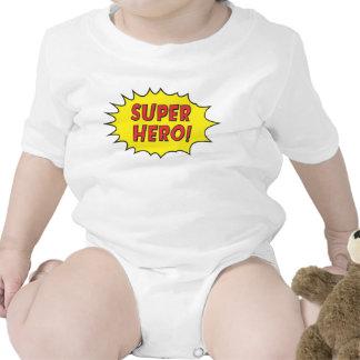 El super héroe inspiró la camisa del bebé