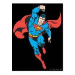 El superhombre dejó el puño aumentado postal