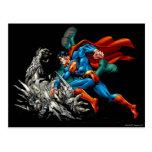 El superhombre lucha al monstruo postal