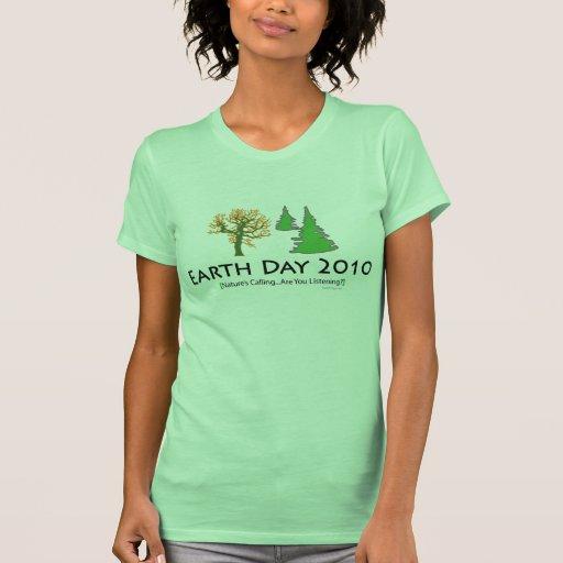 El T de las mujeres del Día de la Tierra 2010 Camisetas
