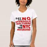 El T de ningunas de Fracking NYC mujeres de la T Shirts