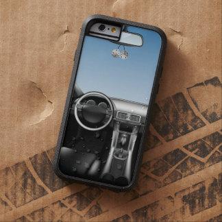 El tablero de instrumentos del coche que juega funda tough xtreme iPhone 6