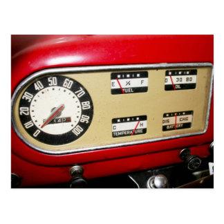 el tablero de instrumentos y los indicadores de la tarjetas postales