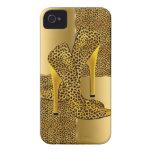 El tacón alto elegante del leopardo del oro calza  Case-Mate iPhone 4 protectores