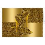 El tacón alto elegante del leopardo del oro calza  tarjetón