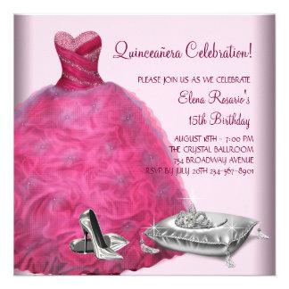 El tacón alto rosado del vestido de bola calza invitacion personalizada
