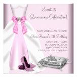 El tacón alto rosado del vestido de bola calza Qui Comunicados Personales