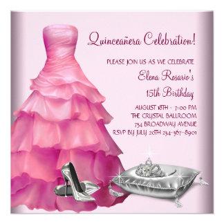 El tacón alto rosado del vestido de bola calza Qui Comunicado