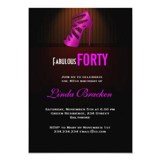 El tacón alto rosado elegante atractivo cuarenta invitaciones personalizada