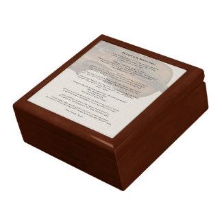 El tacto de la mano de amo caja de joyas