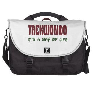 El Taekwondo es una manera de vida Bolsas Para Ordenador
