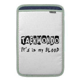El Taekwondo está en mi sangre Fundas Para Macbook Air