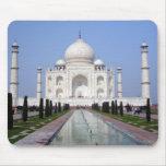 El Taj Mahal, Agra, la India Tapete De Ratón