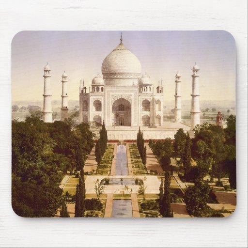 El Taj Mahal en Agra la India Alfombrillas De Ratones
