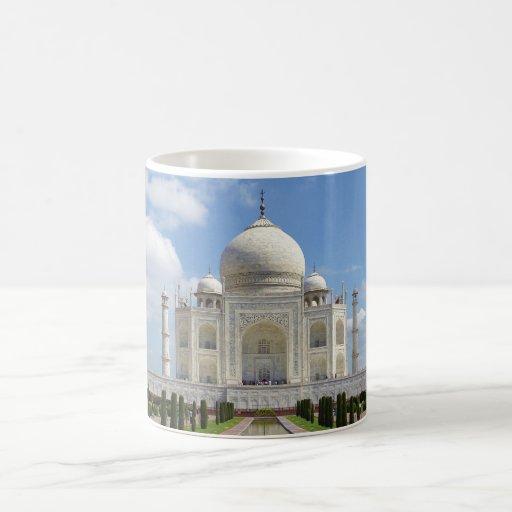 El Taj Mahal en Agra la India Taza Básica Blanca