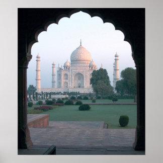 El Taj Mahal en la alba Poster