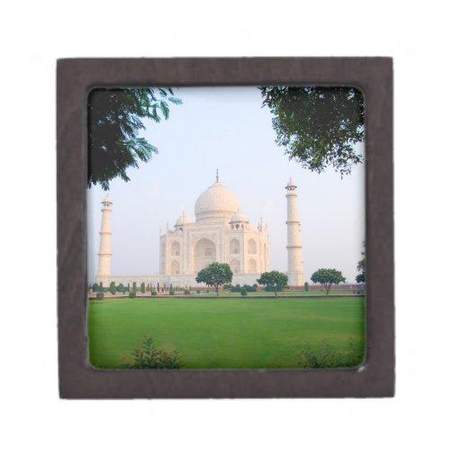 El Taj Mahal en la salida del sol una de las marav Caja De Regalo De Calidad