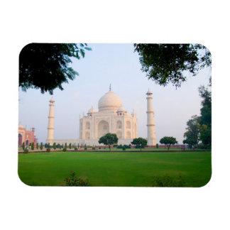 El Taj Mahal en la salida del sol una de las marav Imán