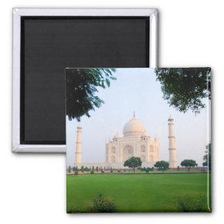 El Taj Mahal en la salida del sol una de las marav Imán Cuadrado