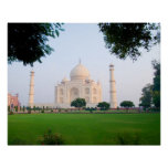 El Taj Mahal en la salida del sol una de las marav Impresiones