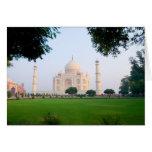 El Taj Mahal en la salida del sol una de las marav Felicitacion