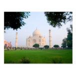 El Taj Mahal en la salida del sol una de las marav Tarjeta Postal