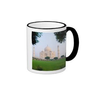 El Taj Mahal en la salida del sol una de las marav Taza De Café