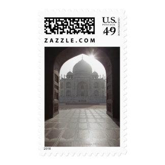 El Taj Mahal enmarcado a través de la entrada a Sellos