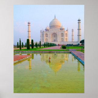 El Taj Mahal famoso pacífico reservado en Poster