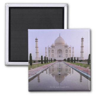 el Taj Mahal reflejó perfectamente en la piscina a Imán Cuadrado