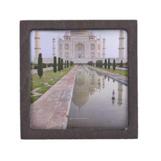 El Taj Mahal todavía reflejado perfectamente en Cajas De Regalo De Calidad