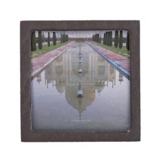 El Taj Mahal todavía reflejó perfectamente en los  Caja De Regalo De Calidad