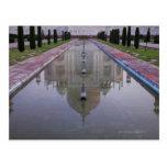 El Taj Mahal todavía reflejó perfectamente en los Tarjetas Postales