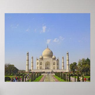 El Taj Mahal un mausoleo situado en Agra la Indi Posters