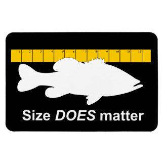 "El ""tamaño importa"" - pesca de la lubina divertida imanes de vinilo"