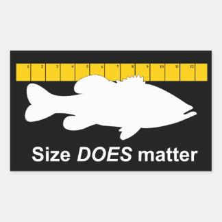 """El """"tamaño importa"""" - pesca de la lubina divertida pegatina rectangular"""