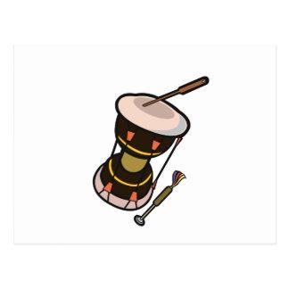 el tambor dos dirigió el tambor turned.png oscuro postal