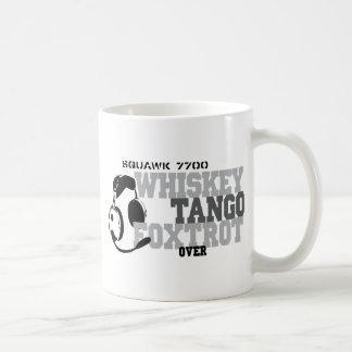 El tango del whisky Foxtrot - humor de la aviación Taza